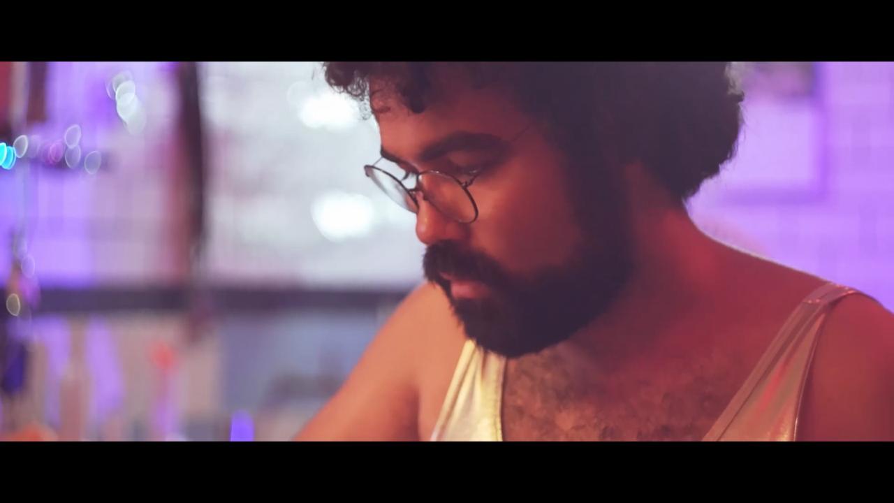 Frame 2 do videoclupe Nao Me Etrego pros Caretas